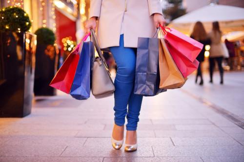 Girl-shopping-500x333